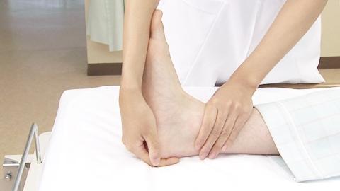 アキレス腱の伸張 | 関節可動域訓練【17】