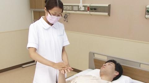 手首の屈曲と伸展(他動) | 関節可動域訓練【4】