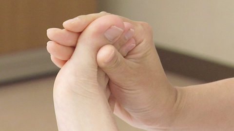 つま先の屈曲と伸展 | 関節可動域訓練【16】