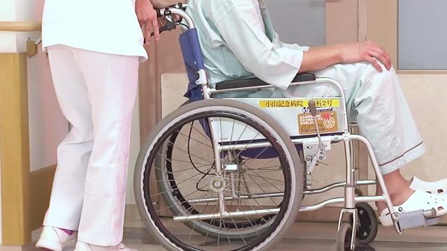 車いすへの移送 | 車いすの移乗・移送【3】