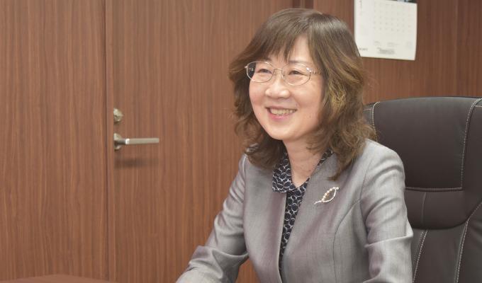 専門看護師を目指す魅力について語る中村氏の写真