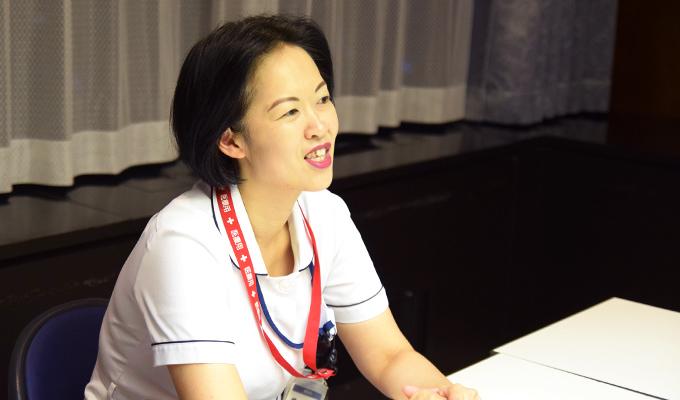 専門看護師の役割について考えを話す井出さんの写真