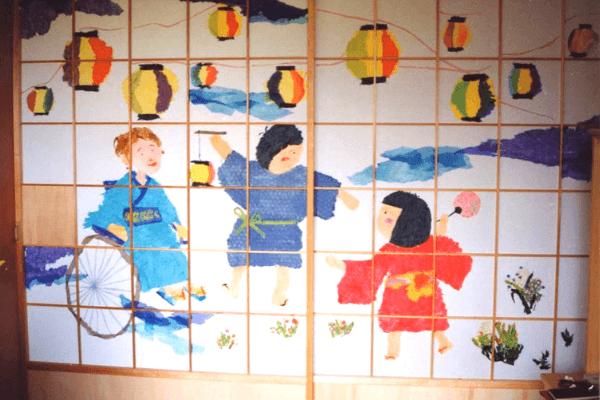 アートプログラムで製作された障子絵の写真