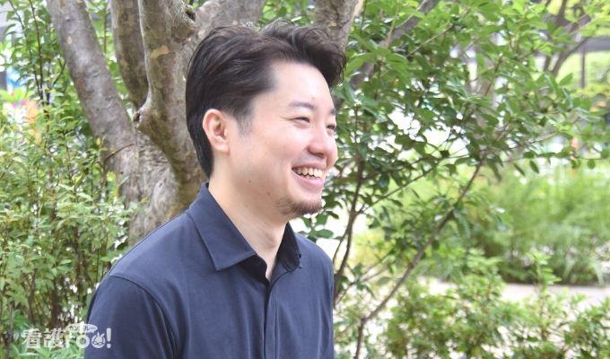 笑顔の前田さんの写真