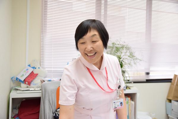 看護局長の角田さんの写真