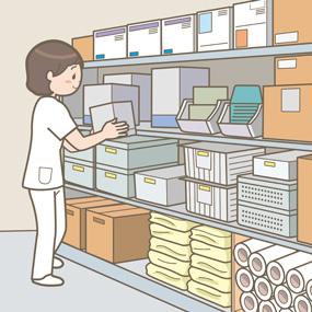 器材庫で物品を整理している看護師のイラスト
