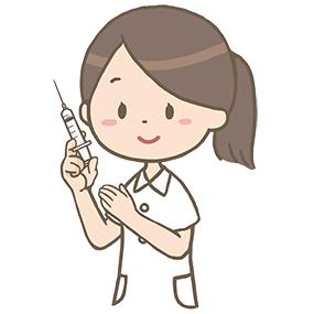 注射器を持つ看護師のイラスト