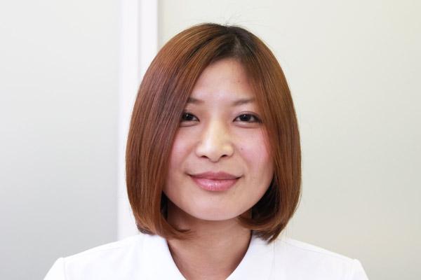 ガンコな寝ぐせ・くせっ毛を瞬時に直す方法 | 看護師のまとめ髪テク【番外編2】018