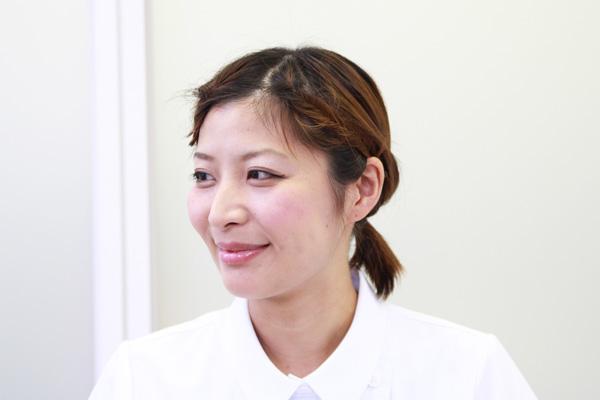 看護師のまとめ髪テク【vol.7】 | ボブのまとまらない前髪を1分で可愛くアレンジ017