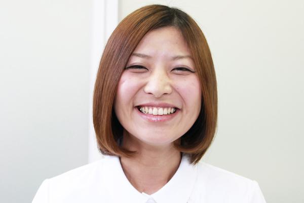 看護師のまとめ髪テク【vol.7】 | ボブのまとまらない前髪を1分で可愛くアレンジ002