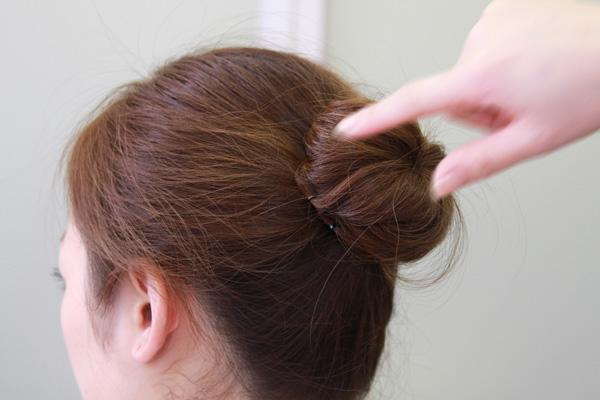 簡単 崩れないお団子ヘアの作り方 美容師直伝 看護師のまとめ髪