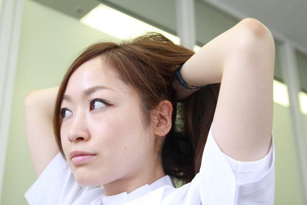 梅雨時のまとまらない髪に。ベタつかないヘアワックスの使い方★美容師直伝   看護師のまとめ髪テク【番外編5】008
