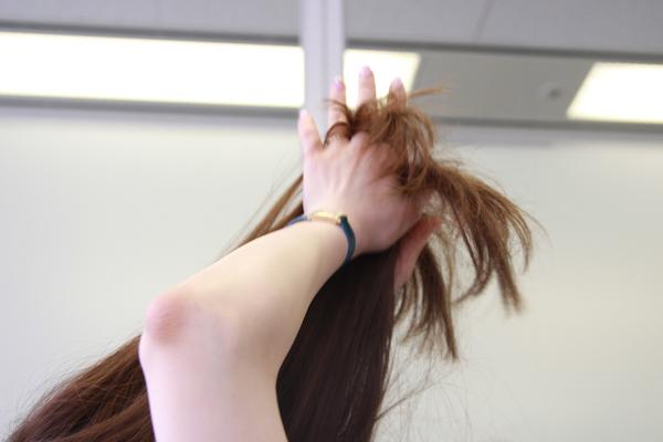 梅雨時のまとまらない髪に。ベタつかないヘアワックスの使い方★美容師直伝   看護師のまとめ髪テク【番外編5】009