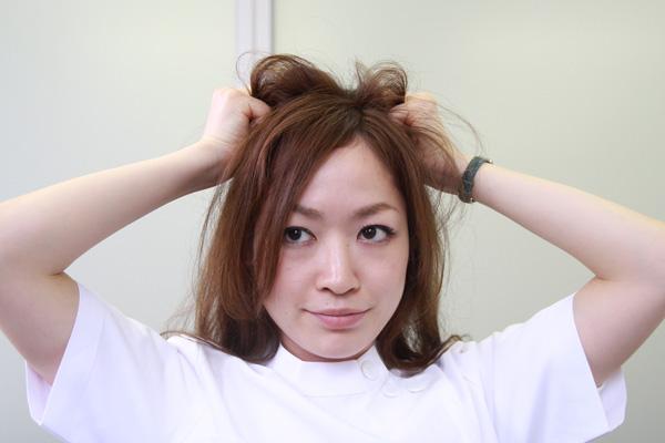 梅雨時のまとまらない髪に。ベタつかないヘアワックスの使い方★美容師直伝   看護師のまとめ髪テク【番外編5】012