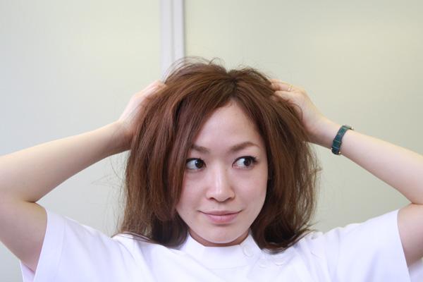 梅雨時のまとまらない髪に。ベタつかないヘアワックスの使い方★美容師直伝   看護師のまとめ髪テク【番外編5】013