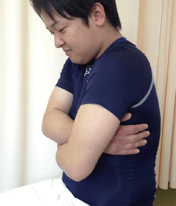 胸骨正中切開時の咳嗽時創部保護