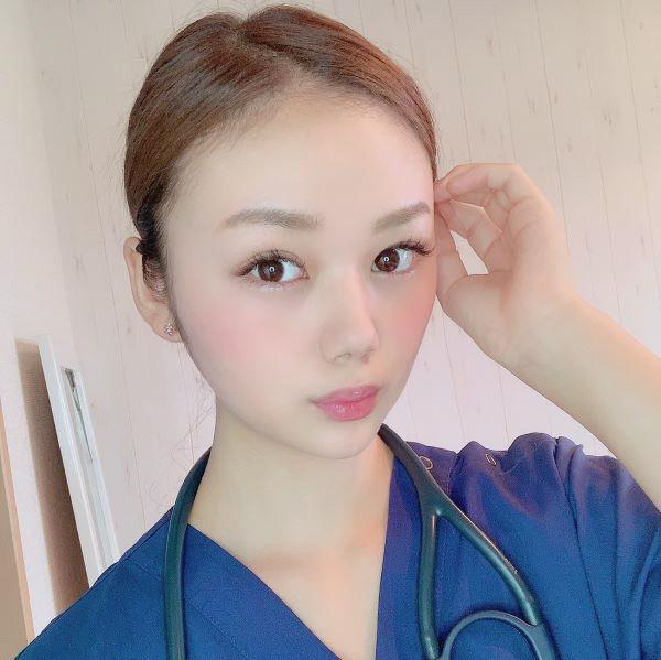 看護師 長野じゅりあさんのナース姿の写真