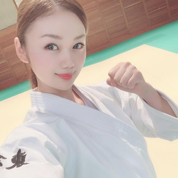 看護師 長野じゅりあさんが柔道をしている写真