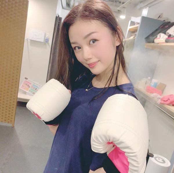 看護師 長野じゅりあさんがトレーニングをしている写真