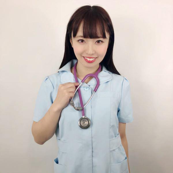 看護師奥沙織さんのナース服写真