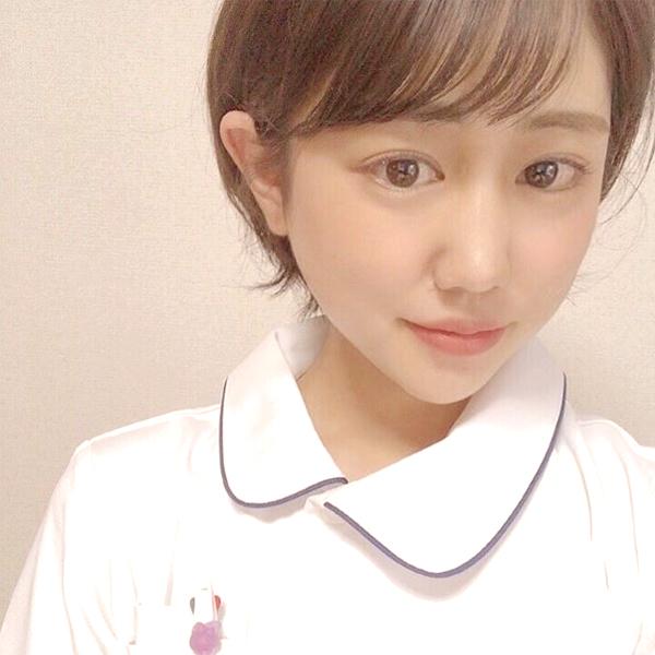 看護師河添紗千子さんのナース服を着た写真