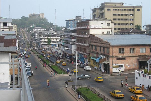 エボラ出血熱と最前線で戦う医師や看護師にもリスク リベリアでは死者の15%に|ナース知っ得ニュース|看護師専用Webマガジン【ステキナース研究所】