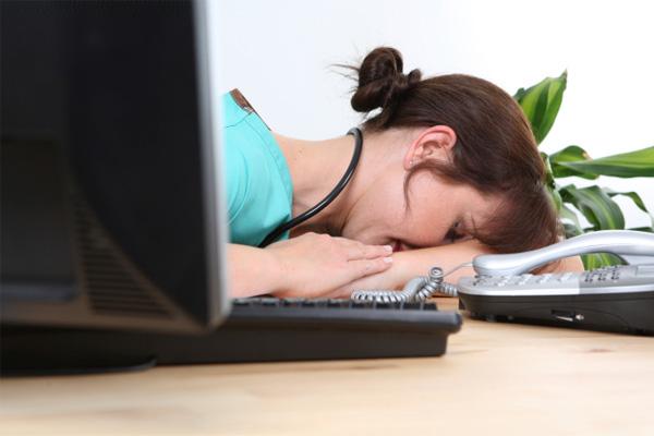 アメリカの看護師の30%以上が「劣悪な労働環境」で働いている―看護師の過労の解決策は?