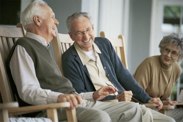 73歳で看護師になると決意したウォルトンさんのたゆまない情熱|看護師専用Webマガジン【ステキナース研究所】