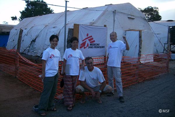 スリランカのプログラムにて、テントのオペ室で