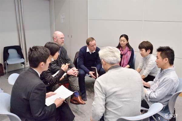 2015年3月、国境なき医師団日本の総会にてグループディスカッション中
