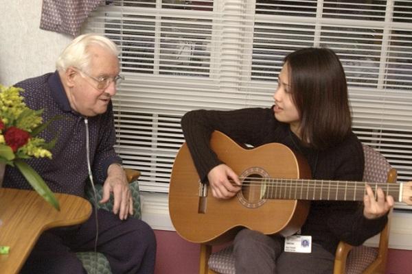 音楽のあるホスピスから―音楽療法士・佐藤由美子