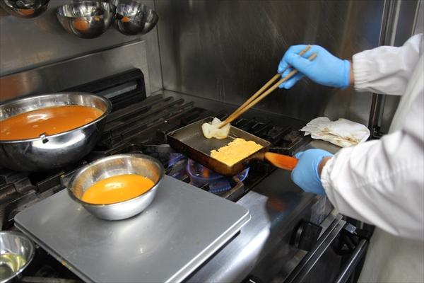 卵焼きの工程3|かんごるーのおでかけ【6】|看護師専用Webマガジン【ステキナース研究所】