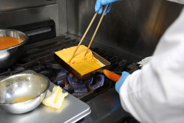卵焼きの工程5|かんごるーのおでかけ【6】|看護師専用Webマガジン【ステキナース研究所】