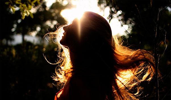 冬の女子力を大幅に低下させる「髪のぱさつき」と「爪の不調」対策|サプリナースの救急室【21】|看護師専用Webマガジン【ステキナース研究所】