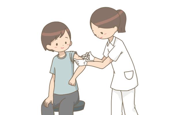 注射を打つ看護師さん