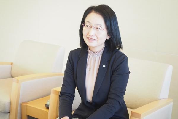 日本看護協会常任理事の荒木暁子さん