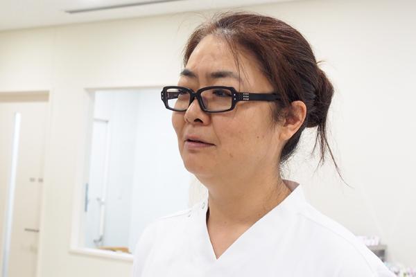 川崎市立井田病院看護師長・集中ケア認定看護師の宮崎奈々さん