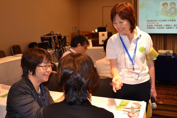 第20回日本摂食嚥下リハビリテーション学会食事介助スキルアップセミナーでの指導場面(2014.9.5)