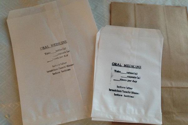 実際に患者さんに薬を渡すときの袋。印刷ではなく、時間のあるときに私がスタンプしてました!