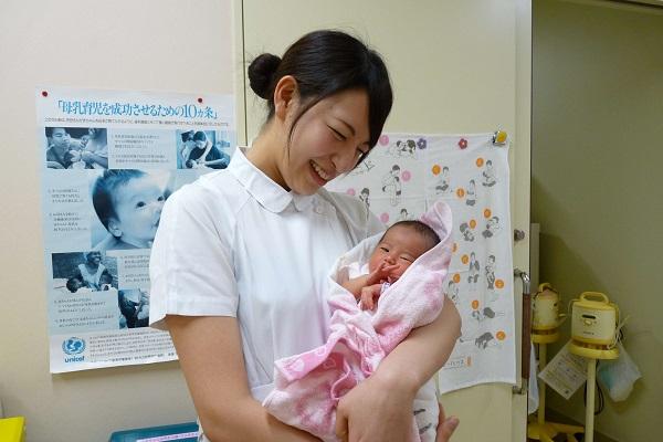 やっぱり新生児と触れ合えるのが一番の幸せ!
